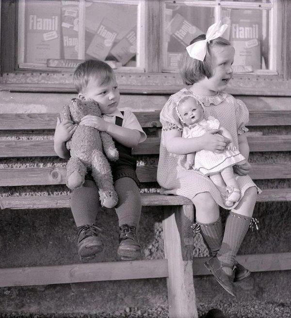 Wczoraj i dziś – zabawy naszych dziadków